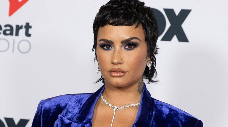 Demi Lovato en realidad se cortó el pelo para deshacerse de las normas de género