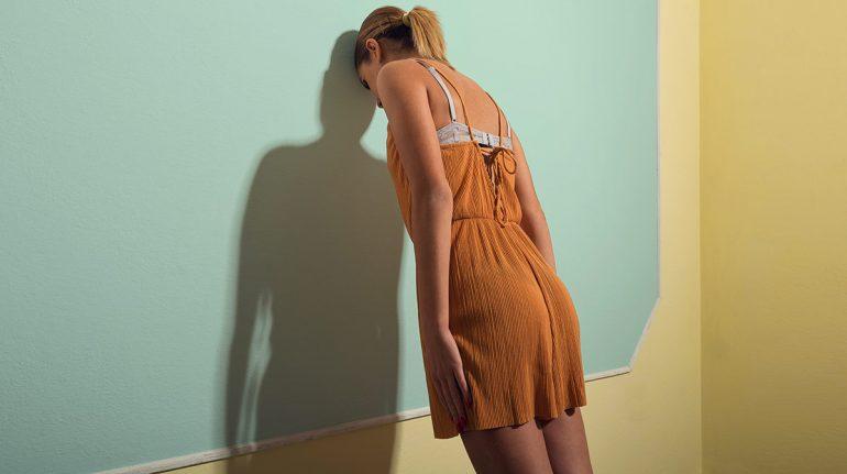 Ser tu peor enemiga: ¿Te ha pasado? ¿Sigues negándolo o justificas al agresor?