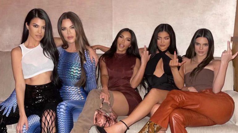 Khloé Kardashian confiesa por qué no hablaron de los novios de Kourtney después de Scott
