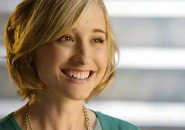 Dan 3 años de cárcel a la actriz de 'Smallville' Allison Mack por participar en secta sexual