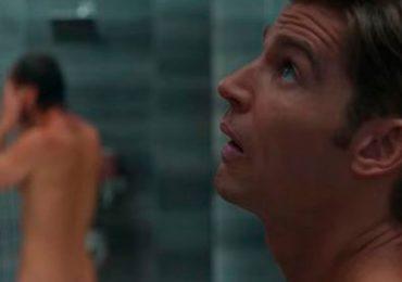 """Brad de """"Sexo/ Vida"""" lleva prótesis de pene en la escena de la ducha"""