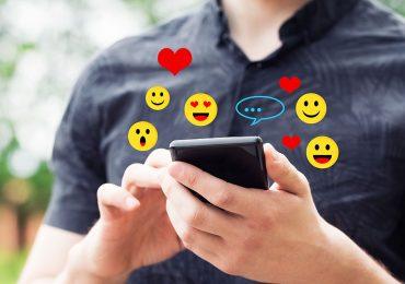 Todo lo que los chicos imaginan cuando les envías un emoji