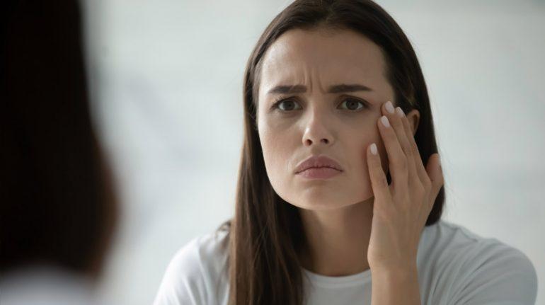 Señales de alerta en la piel que indican que sufre de deshidratación