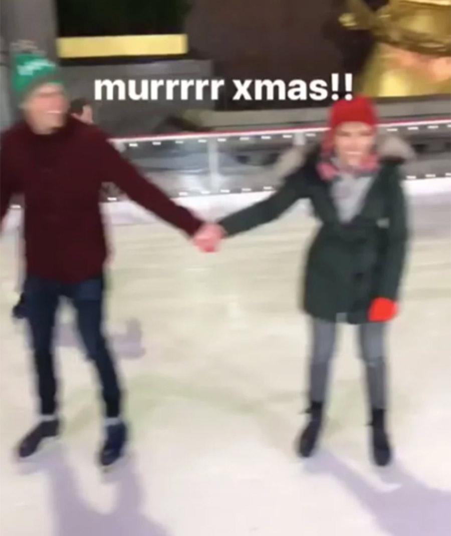 patinando Scarlett y jost