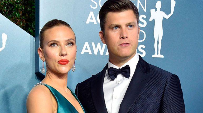 Colin Jost confirma que Scarlett Johansson está embarazada de su primer hijo juntos