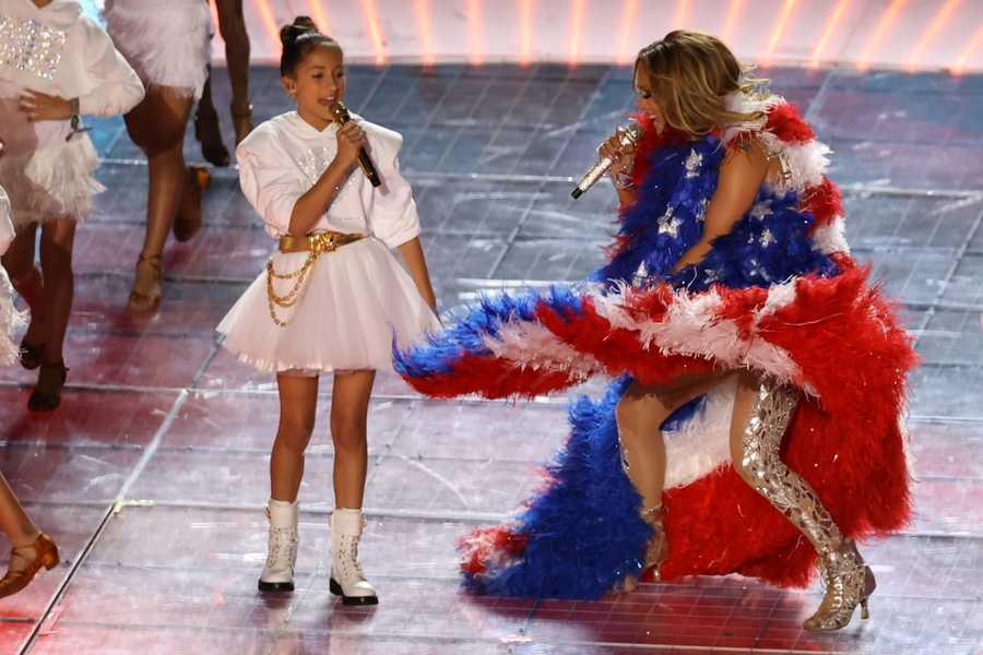 Nueva imagen de Emme, hija de Jennifer Lopez, causa polémica (y preocupación)