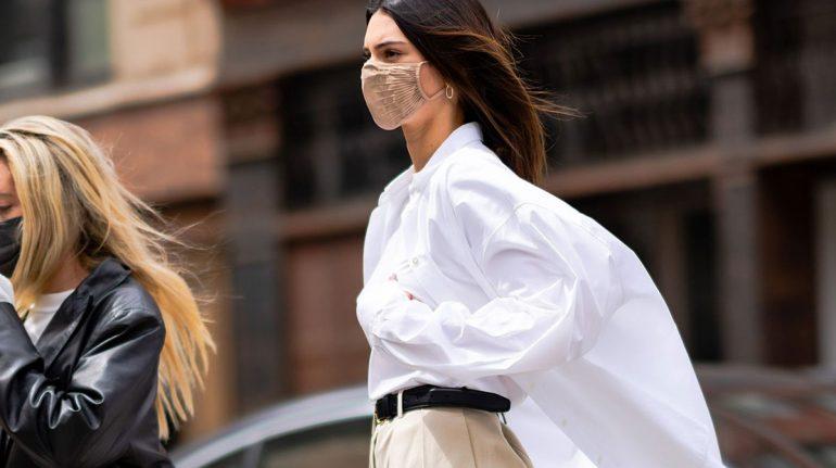 El mejor look del momento va con camisa y pantalón, y Kendall Jenner lo confirma