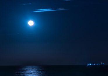 Aprovecha la luna azul del 22 de agosto, es superpoderosa para conectar mente y corazón