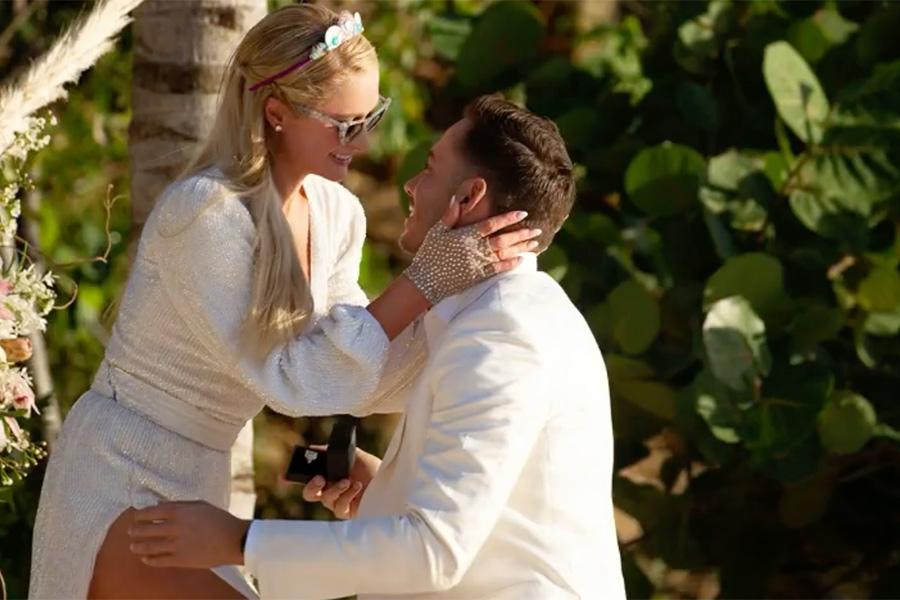 Paris Hilton usará 10 vestidos de novia en su boda