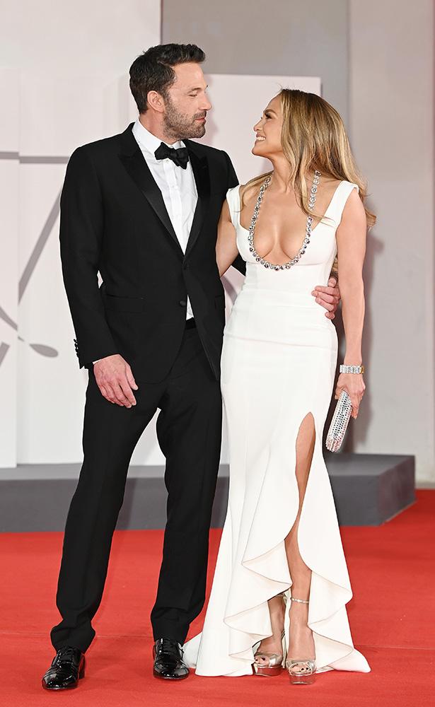 Jennifer Lopez y Ben Affleck desbordan glamour y romance en Venecia