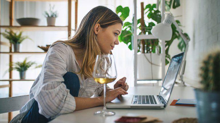 7 mitos y 6 propiedades del vino blanco