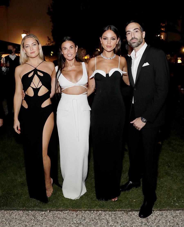 Eiza González y Ester Expósito, juntas con los mejores look en black and white