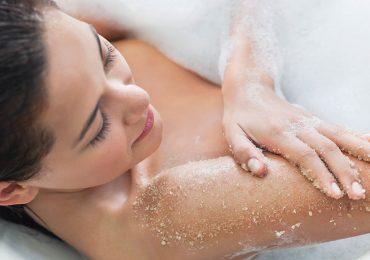 ¿Por qué debes exfoliar la piel y cada cuánto hacerlo?