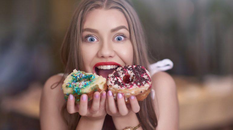¿Sientes más antojos y hambre? Tu edulcorante artificial podría ser el problema