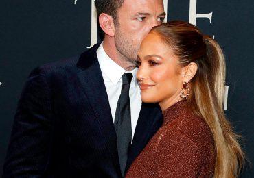 El color marrón es el color del otoño, y Jennifer Lopez lo comprueba con sus recientes looks